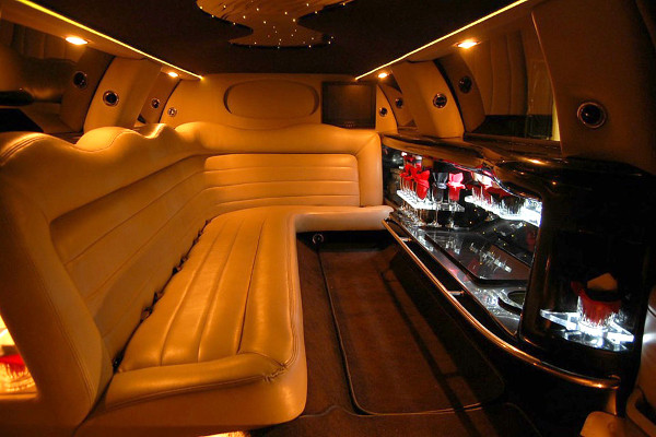 8 Person Lincoln Limo Service San Antonio